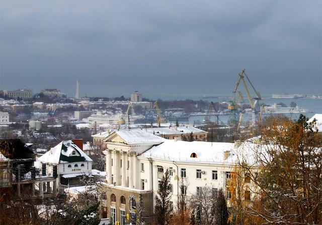 Фото: вид на Севастополь с Малахова кургана