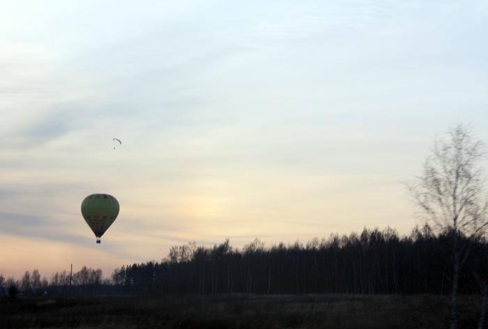 Фото: Воздушный шар на закате