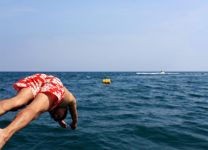 Фото: Прыжок в воду