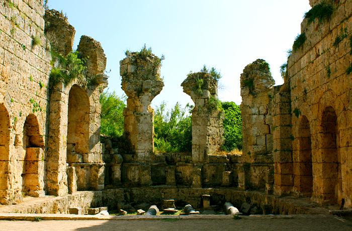 Римские бани в Перге
