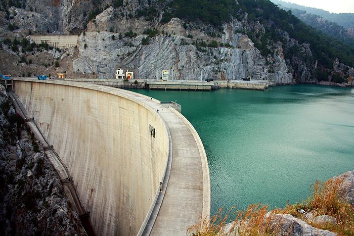 дамба гидроэлектростанции