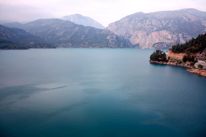 Верхнее озеро в Зелёном каньоне