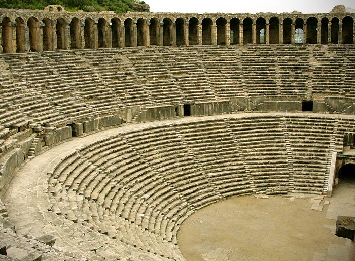 фото: Амфитеатр в Аспендос