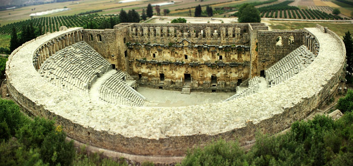 Амфитеатр в Aspendos