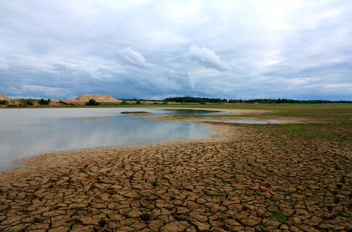 Фото: озёро возле песчаного карьера