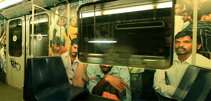Вагон метро Амстердама изнутри