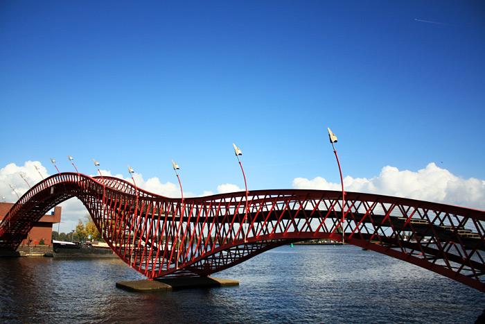 Фото: Мост Питон