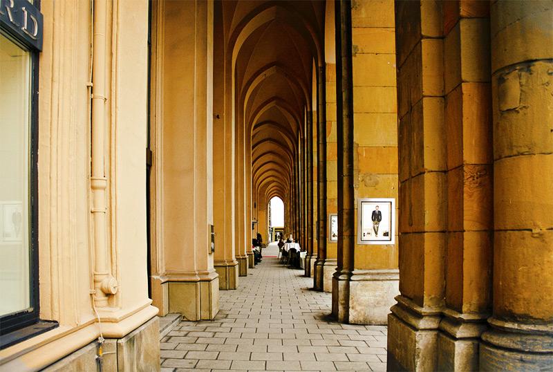 колонны здания Мюнхена