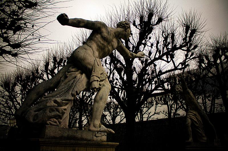 скульптуры в парке Зальцбурга