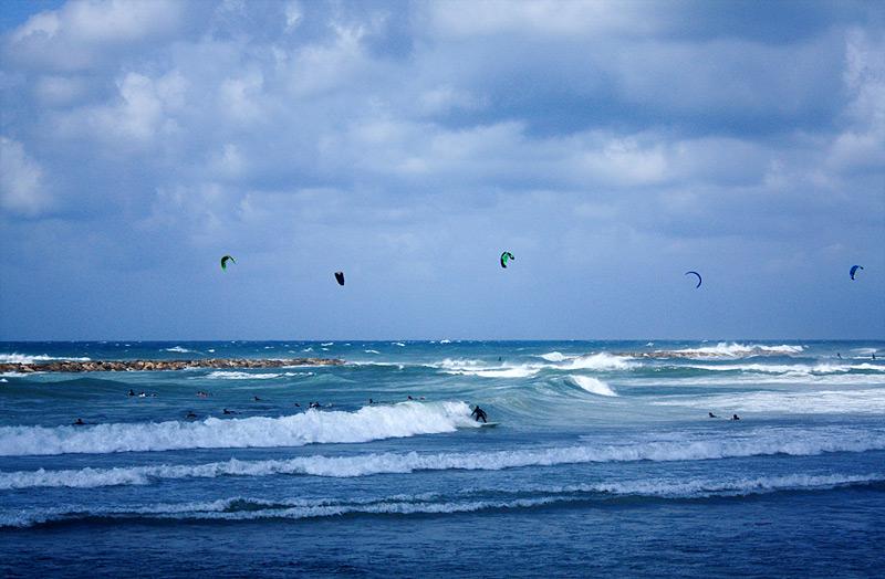 Фото:Сёрфинг в Тель-Авиве