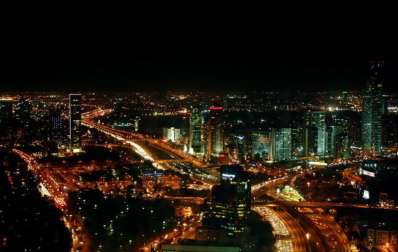 Фото: Вид на ночной Тель-Авив с 49 этажа