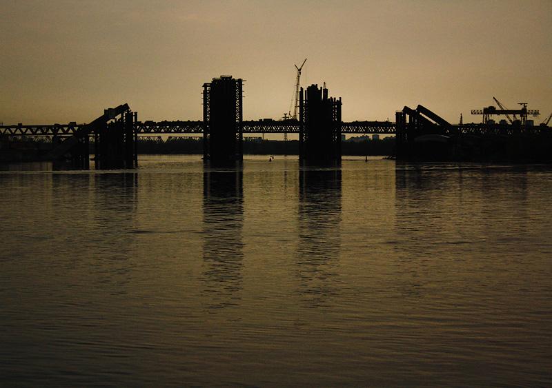 Фото: Строящийся мост в Киеве