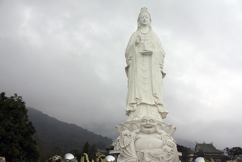 Хэппи Будда и Quan Âm