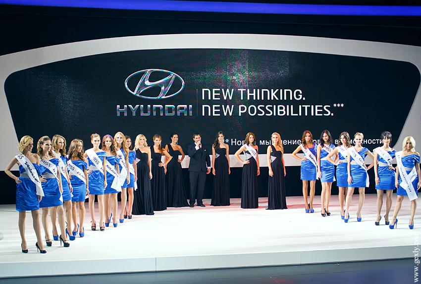 Девушки-модели на ММАС 2012