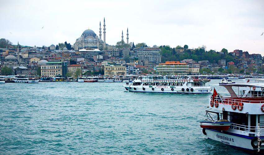 Фото: Вид на Стамбул днём