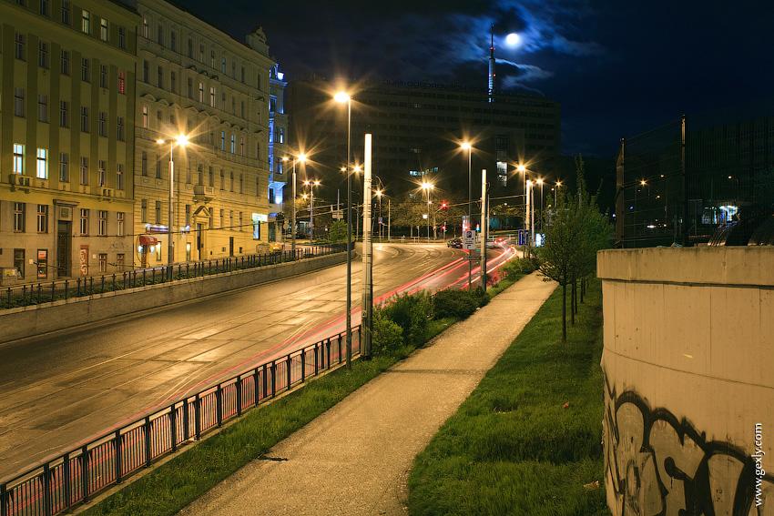 Ночная прага, луна