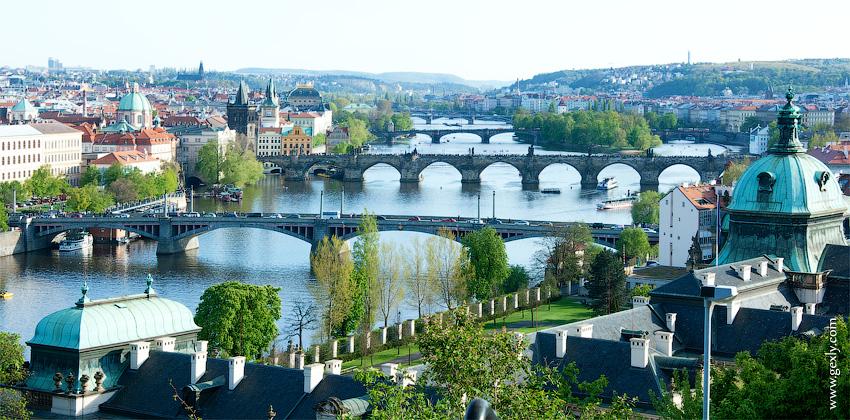 Фото: Вид на мосты с Летенских садов